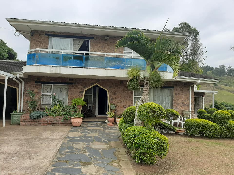 Beautiful home available in Kloof/Wyebank